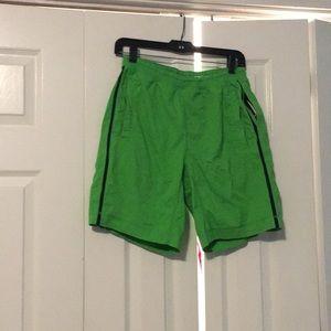 Lululemon men's green shorts sz M 57411